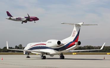 M-IMAK - Private Embraer ERJ-135 Legacy 600