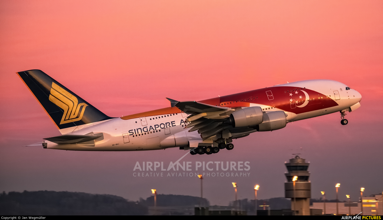 Singapore Airlines 9V-SKJ aircraft at Zurich