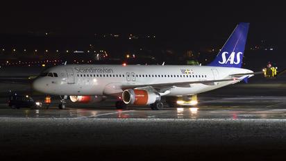 OY-KAR - SAS - Scandinavian Airlines Airbus A319