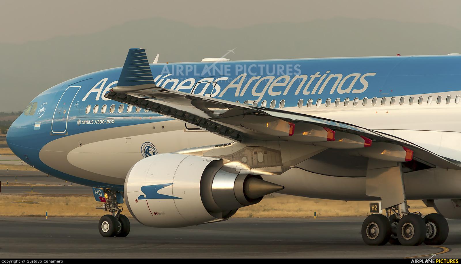 Aerolineas Argentinas LV-GHQ aircraft at Madrid - Barajas