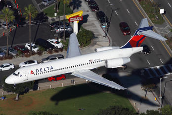 N971AT - Delta Air Lines Boeing 717