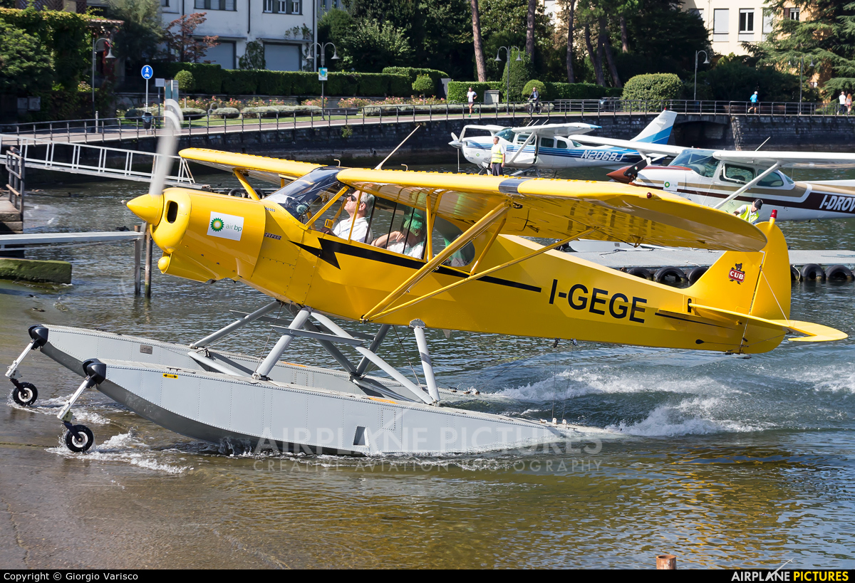 Private I-GEGE aircraft at Como Idroscalo