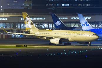 A6-EYD - Etihad Airways Airbus A330-200