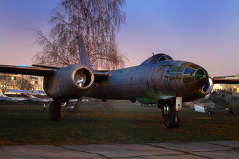 72 - Poland - Air Force Ilyushin Il-28R