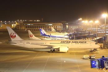 JA863J - JAL - Japan Airlines Boeing 787-9 Dreamliner