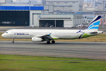 HL7735 - Air Busan Airbus A321