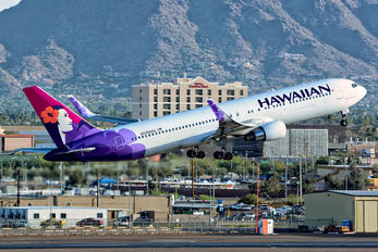 N588HA - Hawaiian Airlines Boeing 767-300ER