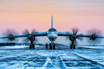 RF-94200 - Russia - Air Force Tupolev Tu-95MS