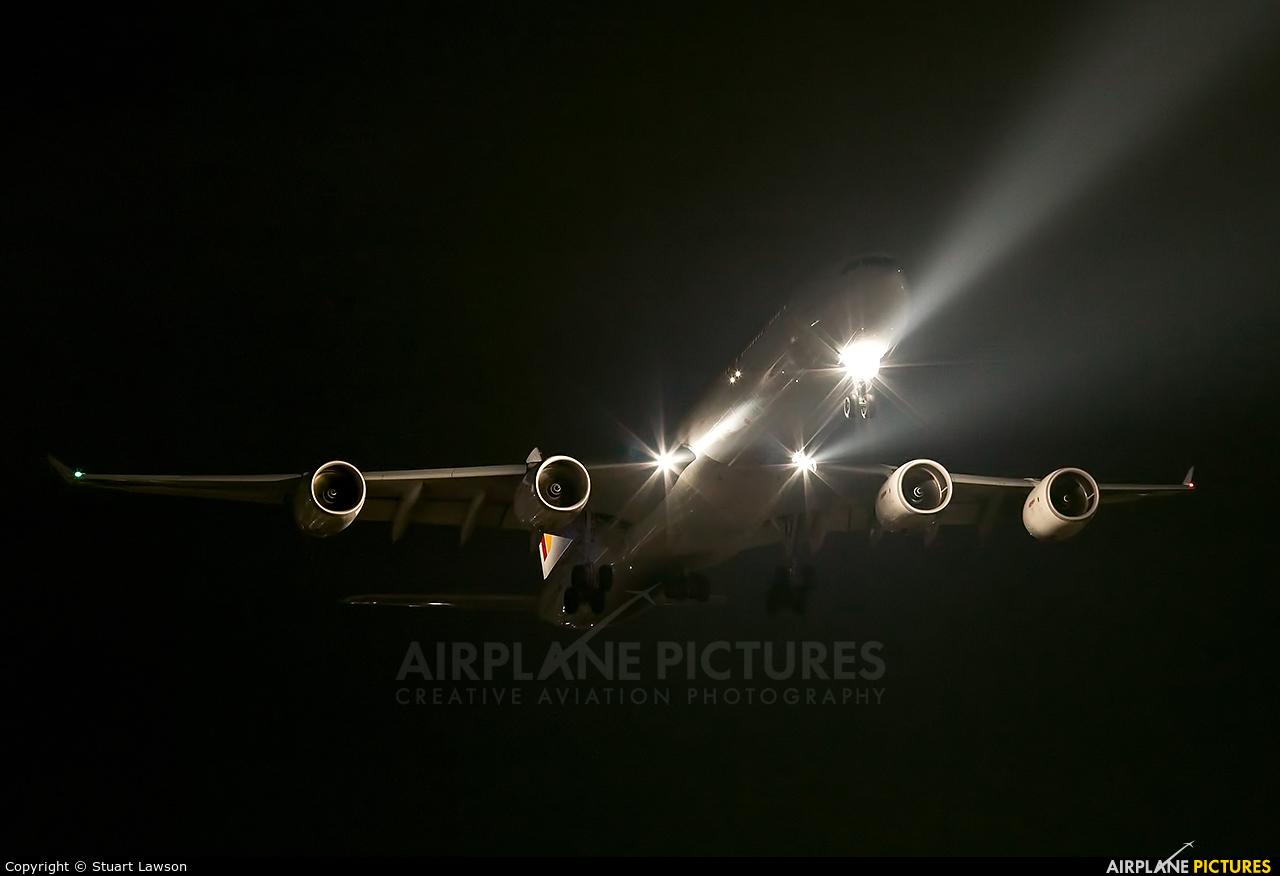 Iberia EC-JNQ aircraft at London - Heathrow