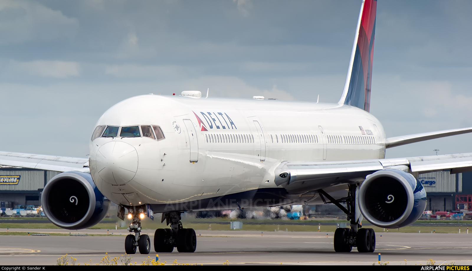 Delta Air Lines N830MH aircraft at Amsterdam - Schiphol