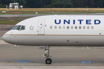 N12114 - United Airlines Boeing 757-200