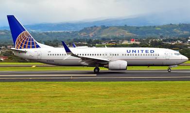 N78506 - United Airlines Boeing 737-800