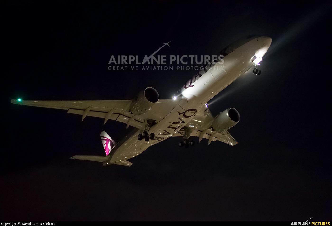 Qatar Airways A7-ALJ aircraft at London - Heathrow