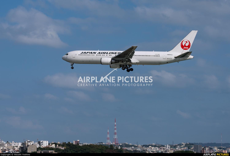 JAL - Japan Airlines JA654J aircraft at Naha