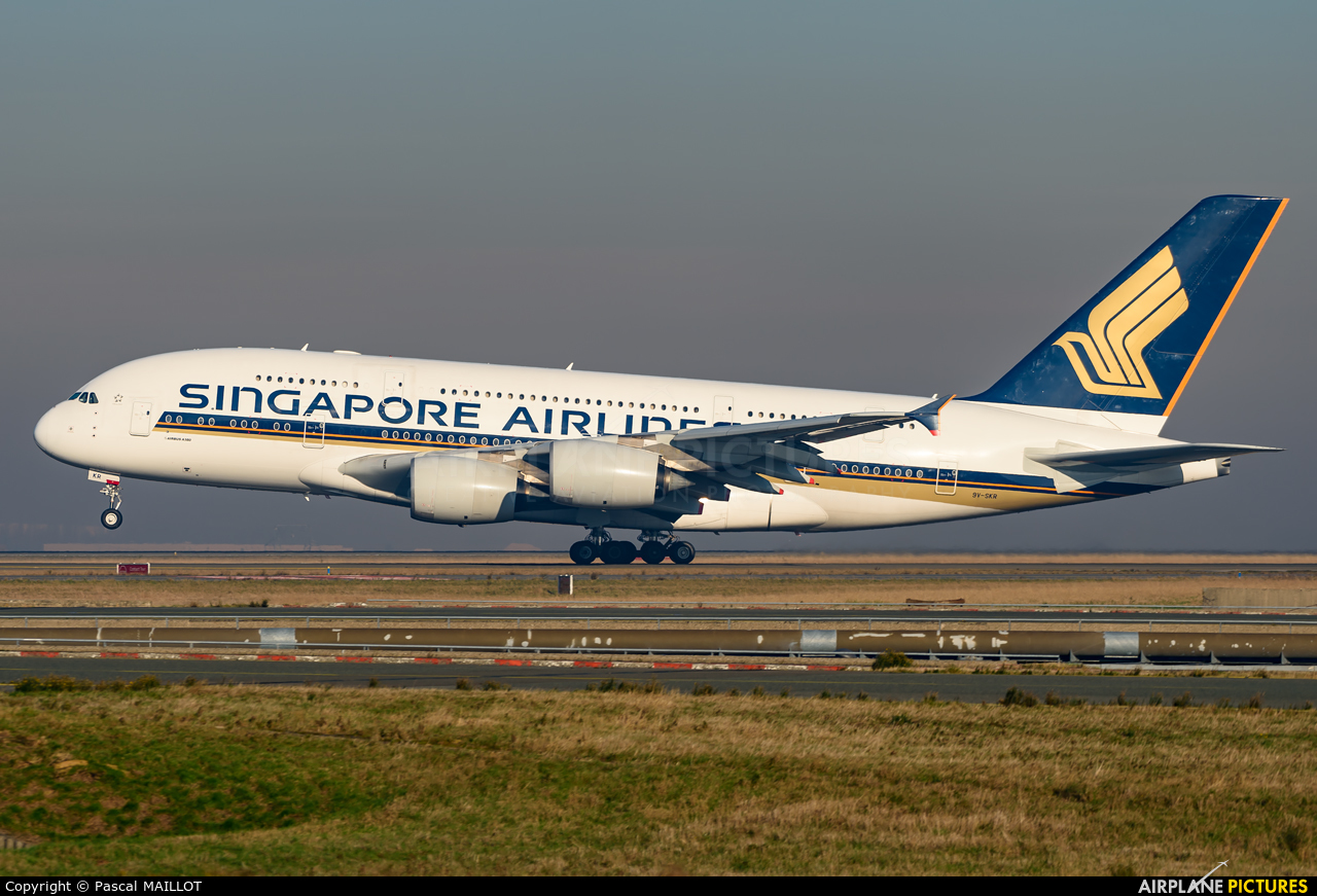 Singapore Airlines 9V-SKR aircraft at Paris - Charles de Gaulle