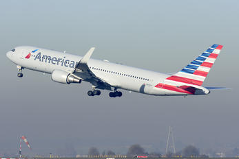 N390AA - American Airlines Boeing 767-300ER
