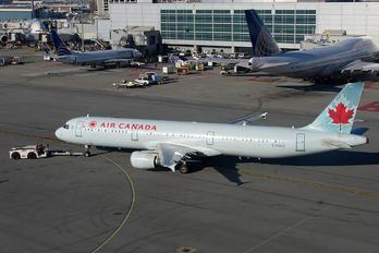 C-FGKZ - Air Canada Airbus A321