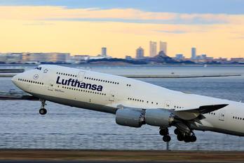 D-ABYP - Lufthansa Boeing 747-8