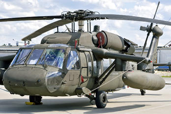 0-24643 - USA - Air Force Sikorsky UH-60A Black Hawk