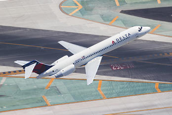 N988DN - Delta Air Lines Boeing 717
