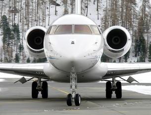 M-IUNI - Private Bombardier BD-700 Global 5000