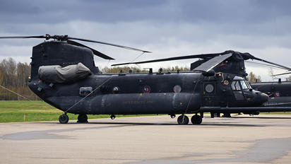03-03728 - USA - Air Force Boeing MH-47G Chinook