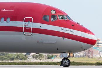 YV481T - Santa Barbara Airlines McDonnell Douglas MD-82