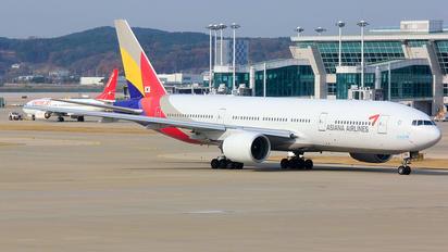 HL7791 - Asiana Airlines Boeing 777-200ER