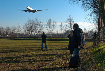 LIPO - - Airport Overview - Airport Overview - Photography Location
