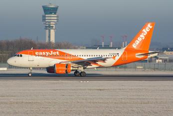G-EZDU - easyJet Airbus A319