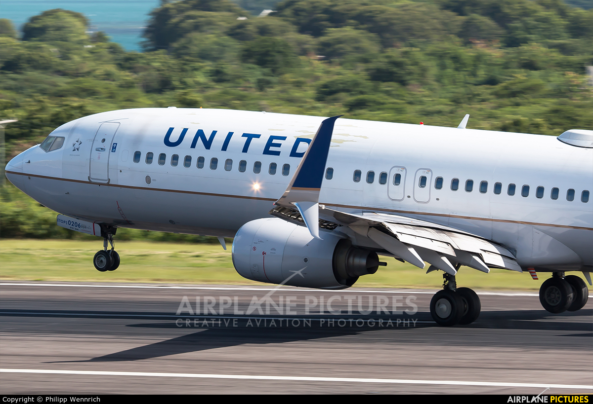 United Airlines N11206 aircraft at V.C. Bird