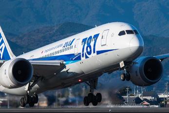 JA817A - ANA - All Nippon Airways Boeing 787-8 Dreamliner