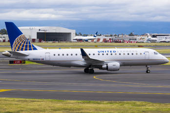 N88310 - United Express Embraer ERJ-175 (170-200)