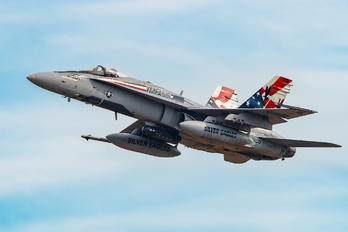 163755 - USA - Marine Corps McDonnell Douglas F/A-18C Hornet