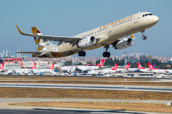 A6-AEE - Etihad Airways Airbus A321