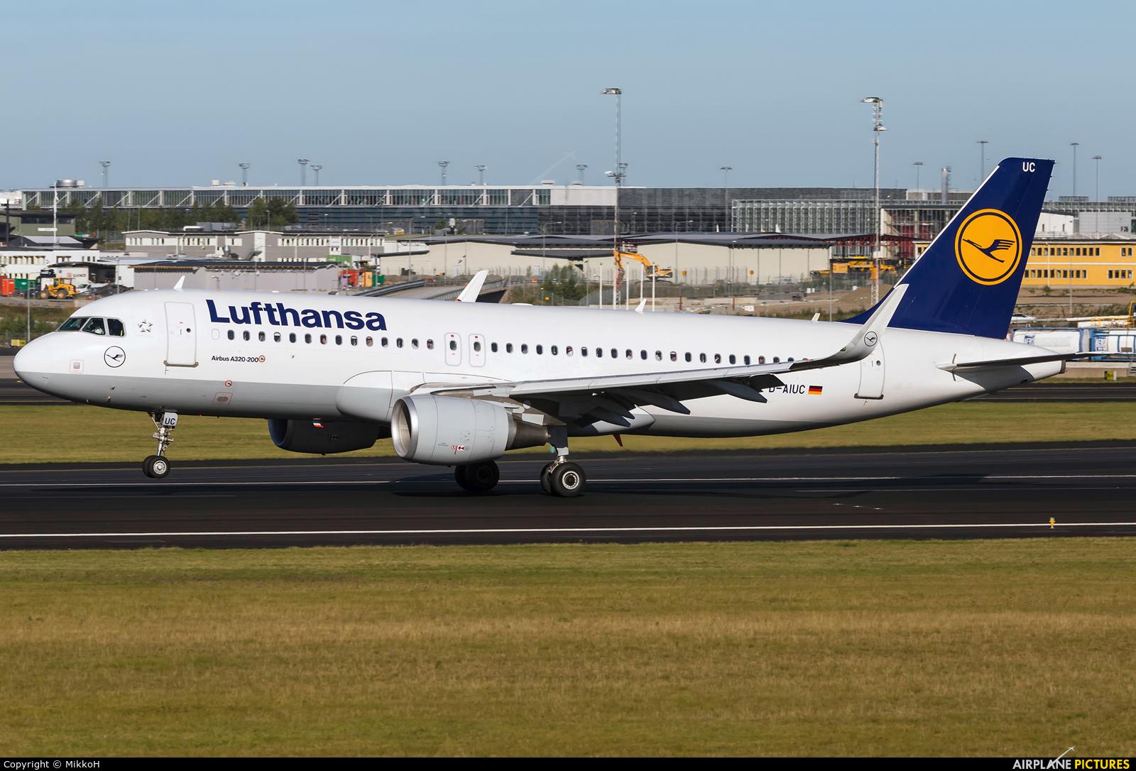 Lufthansa D-AIUC aircraft at Stockholm - Arlanda