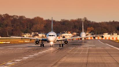 D-AVXS - Volaris Airbus A321