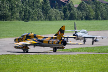 HB-RVV - Private Hawker Hunter T.68