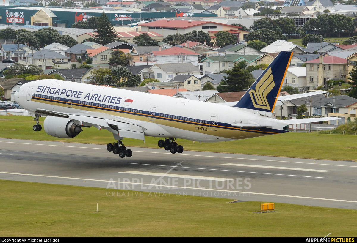 Singapore Airlines 9V-SQJ aircraft at Wellington Intl