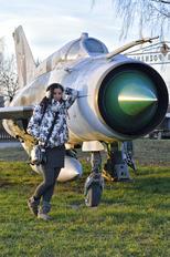 6814 - - Aviation Glamour Mikoyan-Gurevich MiG-21MF