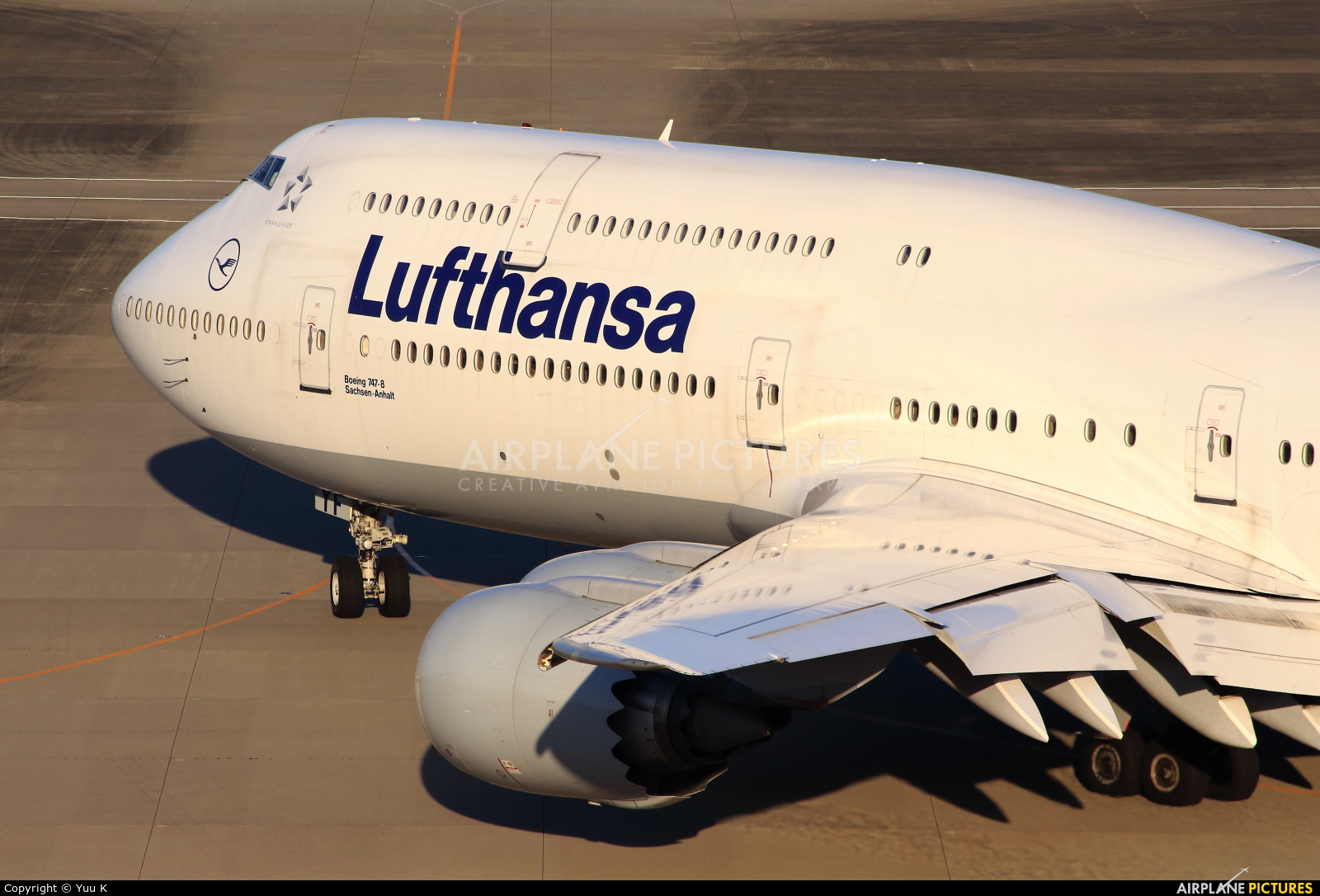 Lufthansa D-ABYF aircraft at Tokyo - Haneda Intl