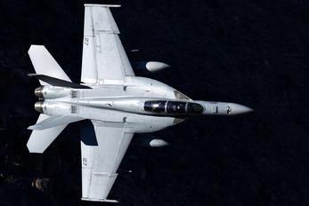 168370 - USA - Navy McDonnell Douglas F/A-18F Super Hornet