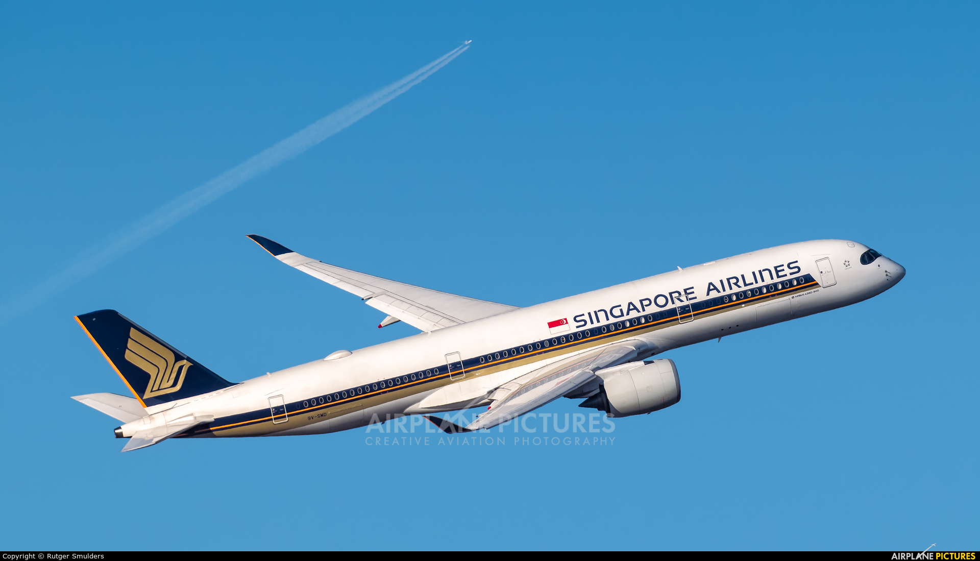 Singapore Airlines 9V-SMD aircraft at Amsterdam - Schiphol