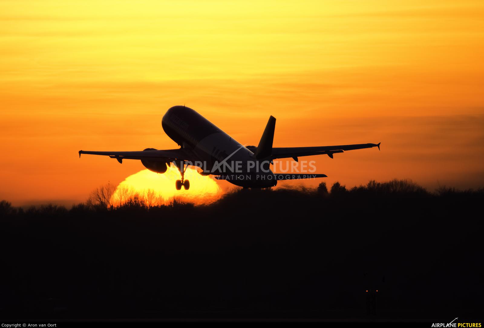 Wizz Air HA-LPM aircraft at Eindhoven