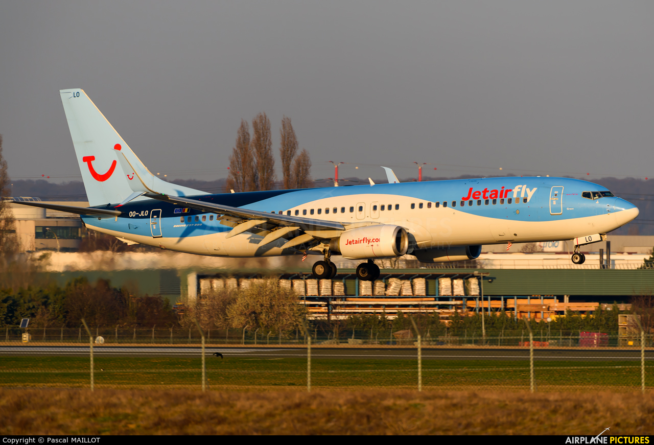 Jetairfly (TUI Airlines Belgium) OO-JLO aircraft at Paris - Orly