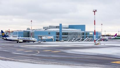 VNO - - Airport Overview - Airport Overview - Terminal Building