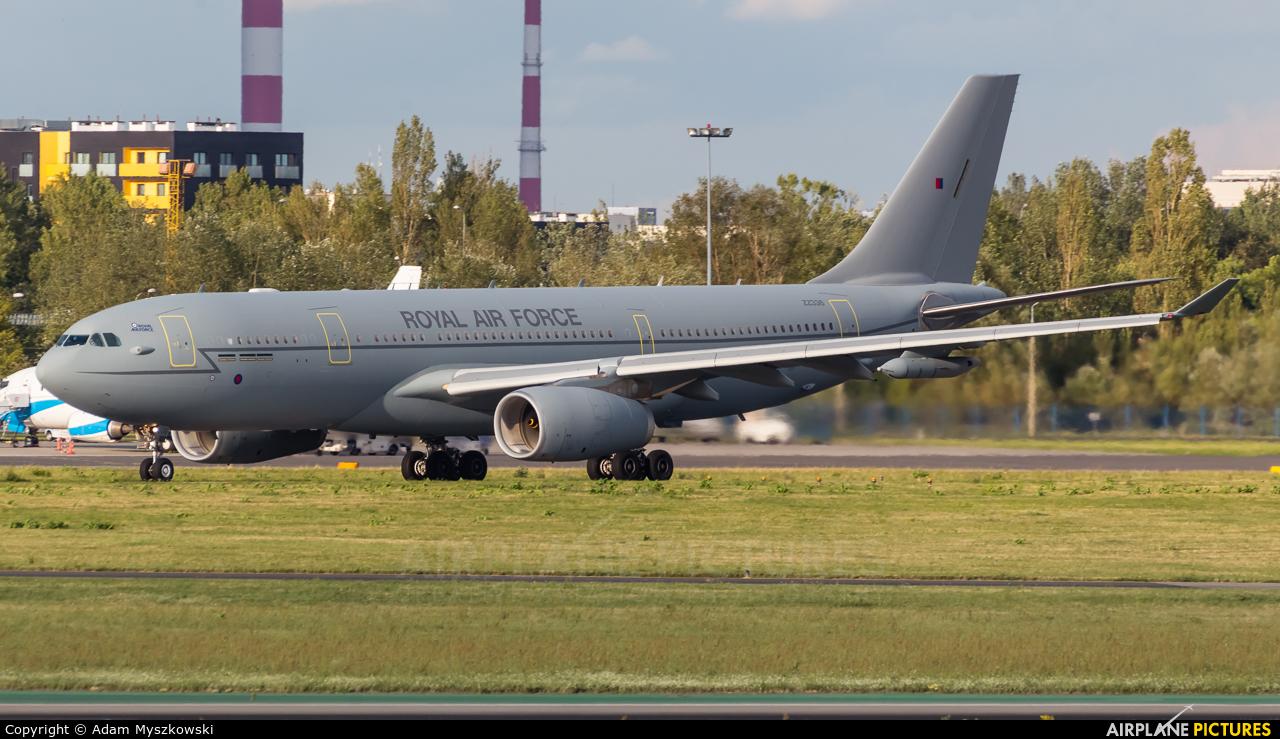 Royal Air Force ZZ336 aircraft at Warsaw - Frederic Chopin