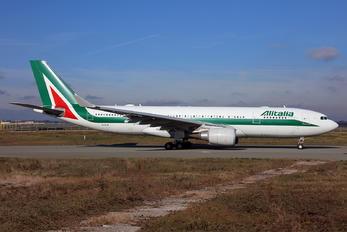 EI-EJN - Alitalia Airbus A330-200