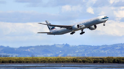 B-KQC - Cathay Pacific Boeing 777-300ER