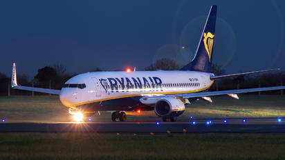 EI-DWH - Ryanair Boeing 737-800